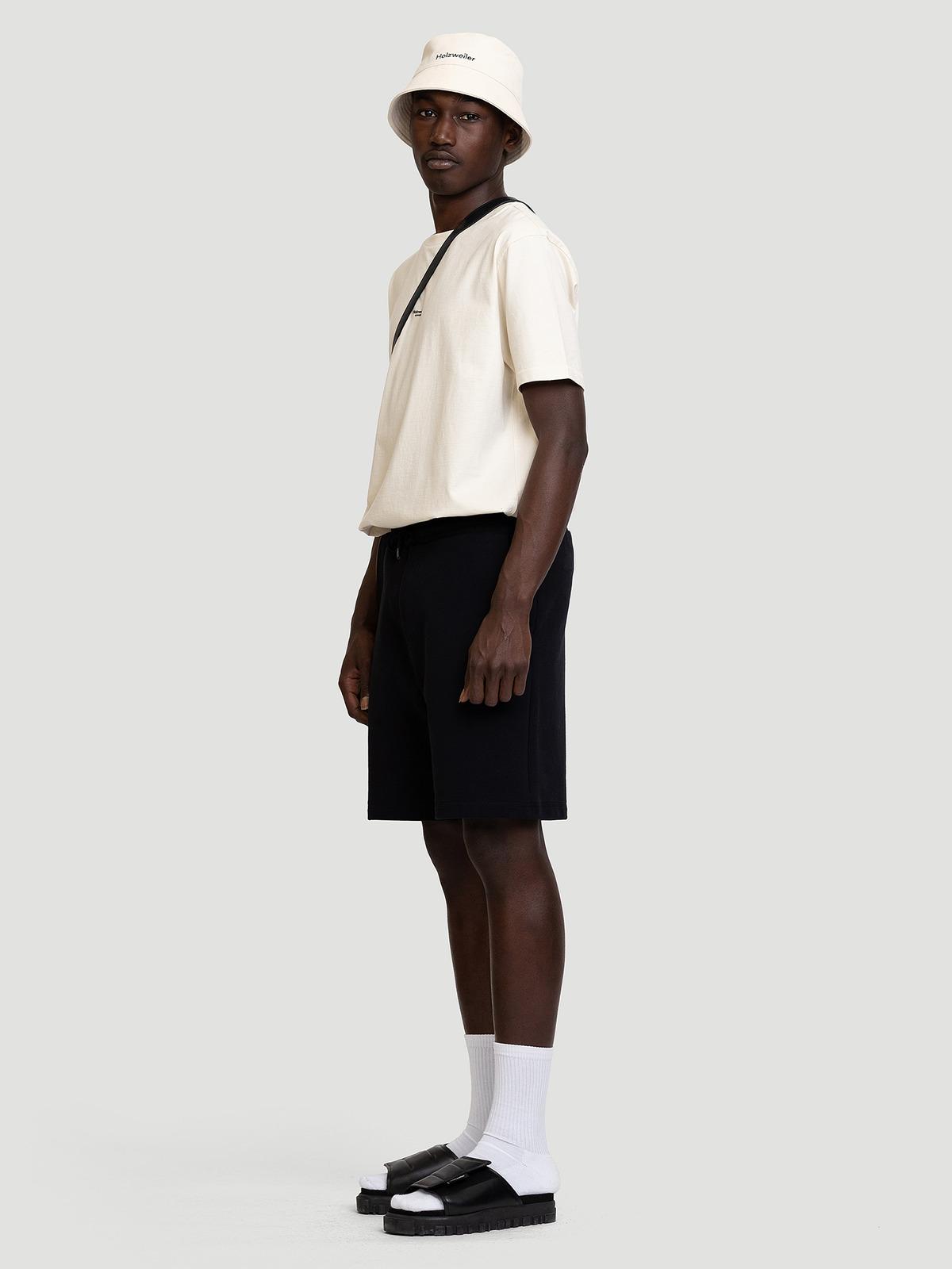 M. Oslo Shorts Black 2