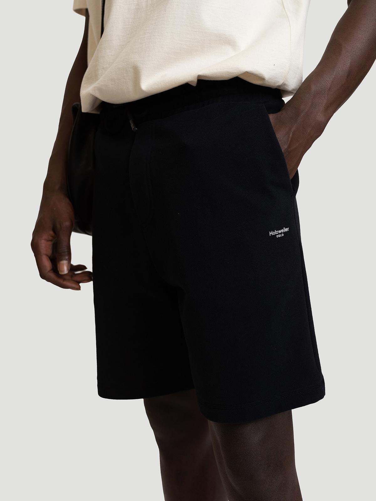 M. Oslo Shorts Black 1