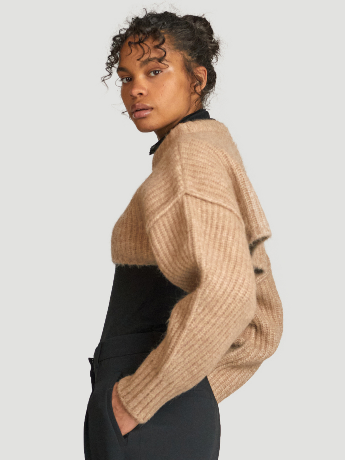 Bored Cropped Knit  Sand 4