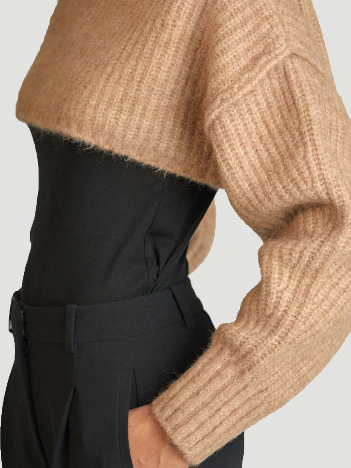 Bored Cropped Knit  Sand 1