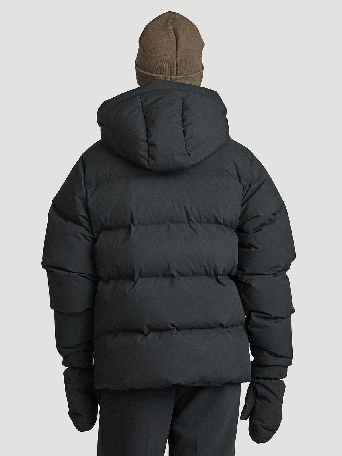 Besseggen Down Jacket Black 5